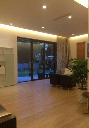 5 Br Villa at Dream House in Minhang for Rent