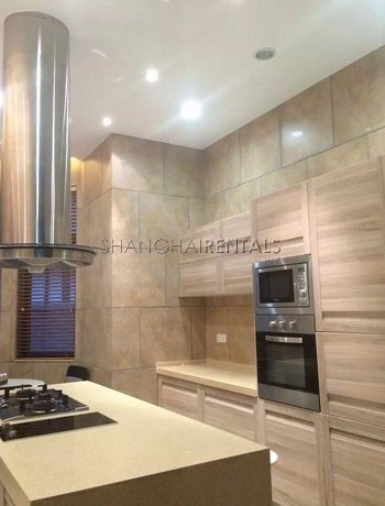 5-bedroom-villa-at-dreamhouse-compound-in-minhang-in-shanghai-for-rent2