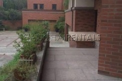 5-bedroom-villa-at-dreamhouse-compound-in-minhang-in-shanghai-for-rent7