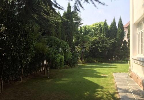 6-bedroom-villa-at-elegant-garden-in-hongqiao-in-shanghai-for-rent11