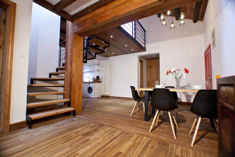 Beautiful renovated apartment for rent near nanjing road