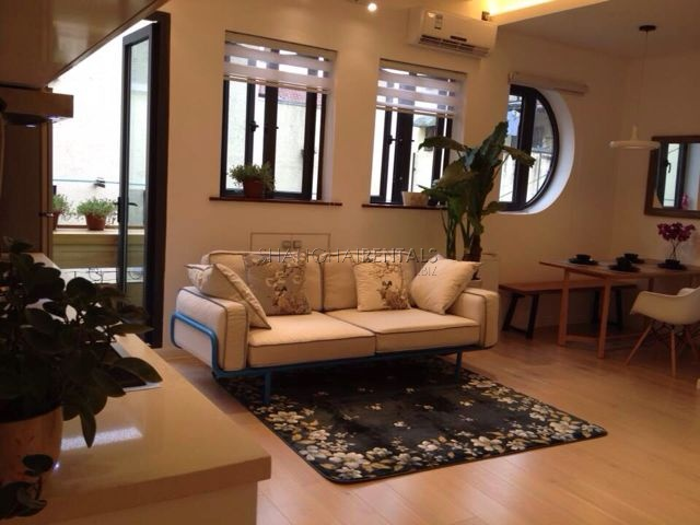 Sweet 2br lane house flat in Former French Concession for rent