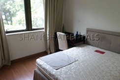 Rent Stratfor Townhouse in Huacao near close to American school in Shanghai (1)