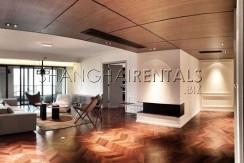 Rent apartment in Xintiandi in Shanghai (17)