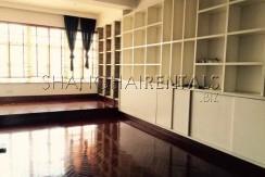 2-bedroom-high-rise-in-jingan-in-shanghai-for-rent4