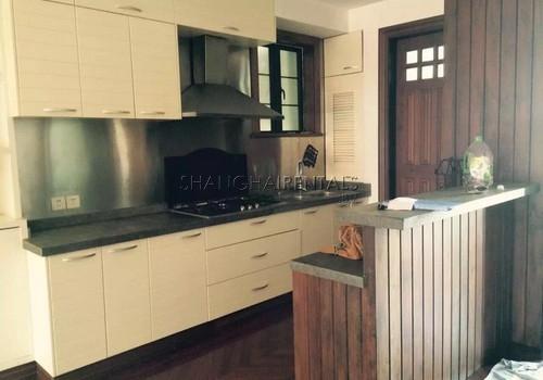 2-bedroom-high-rise-in-jingan-in-shanghai-for-rent5