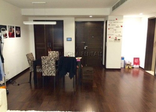 3-bedroom-apartment-in-8-park-avenue-in-jingan-in-shanghai-for-rent1