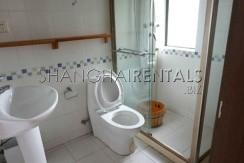 3-bedroom-apartment-in-jingan-in-shanghai-for-rent2