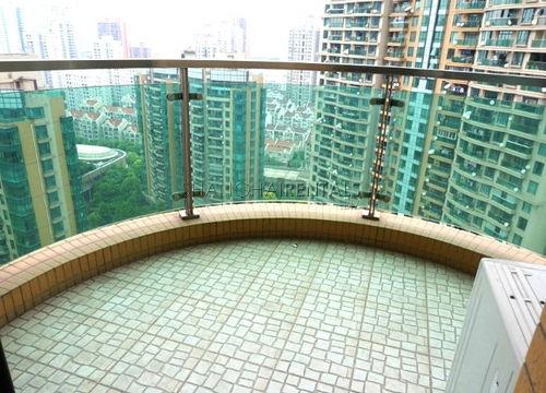 3-bedroom-apartment-in-jingan-in-shanghai-for-rent9