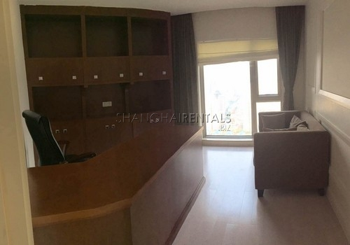 4-bedroom-apartment-in-shimao-riviera-in-pudong-in-shanghai-for-rent5