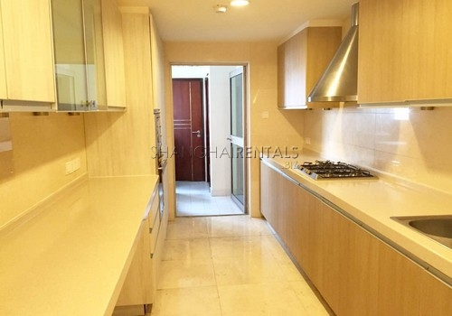 4-bedroom-apartment-in-shimao-riviera-in-pudong-in-shanghai-for-rent6
