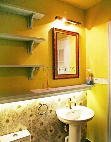 1-bedroom-apartment-in lanehouse-in-huangpu-in-shanghai-for-rent5