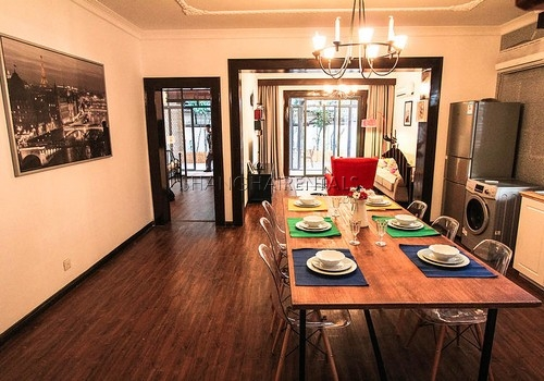 2-bedroom-apartment-in-former-french-concession--in-shanghai-for-rent2