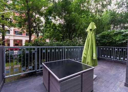 2-bedroom-apartment-in-jingan-in-shanghai-for-rent2