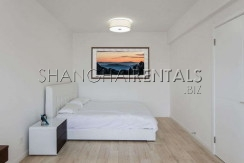 2-bedroom-apartment-in-xintiandi-in-shanghai-for-rent1