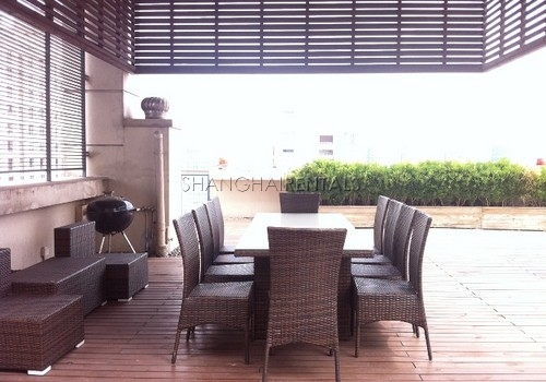 2-bedroom-apartment-in-xintiandi-in-shanghai-for-rent5