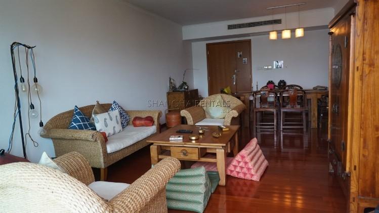 3-bedroom-apartment-at-wellignton-garden-in-xujiahui-in-shanghai-for-rent2