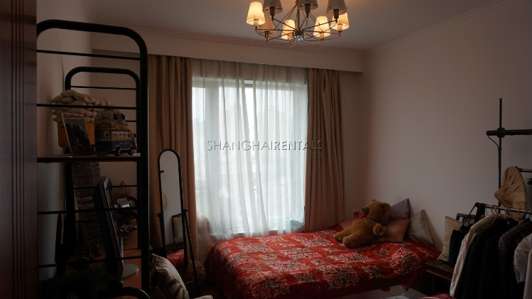 3-bedroom-apartment-at-wellignton-garden-in-xujiahui-in-shanghai-for-rent3