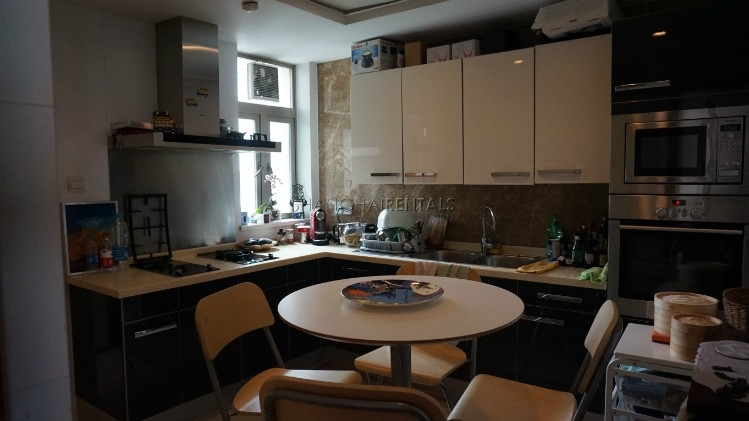 3-bedroom-apartment-at-wellignton-garden-in-xujiahui-in-shanghai-for-rent4