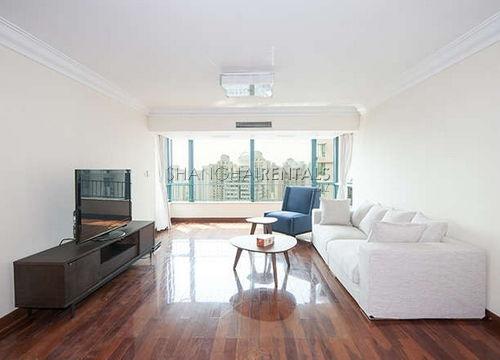 4-bedroom-apartment-in-xuhui-in-shanghai-for-rent3