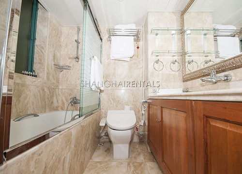 4-bedroom-apartment-in-xuhui-in-shanghai-for-rent5