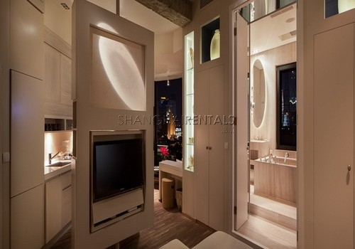 1-bedroom-apartment-close-to-peoples-square-in-hongkou-in-shanghai-for-rent6