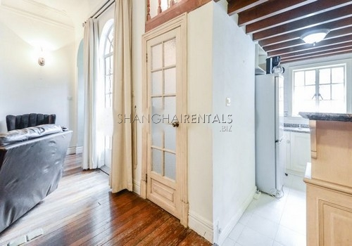 2-bedroom-apartment-in-former-french-concession-in-shanghai-for-rent9
