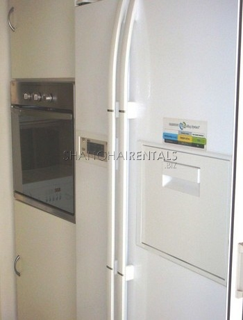 3-bedroom-apartment-at-ladoll-in-jingan-in-shanghai-for-rent1