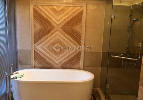 4-bedroom-apartment-at-bound-of-the-bund-in-huangpu-in-shanghai-for-rent1