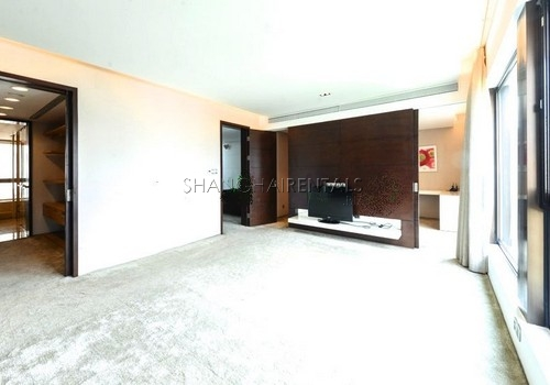 4-bedroom-apartment-at-lakeville-regency-in-xintiandi-in-shanghai-for-rent1