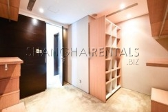 4-bedroom-apartment-at-lakeville-regency-in-xintiandi-in-shanghai-for-rent3