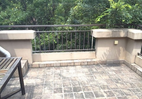 4-bedroom-villa-at-stratford-in-minhang-in-shanghai-for-rent11