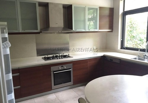 4-bedroom-villa-at-stratford-in-minhang-in-shanghai-for-rent3